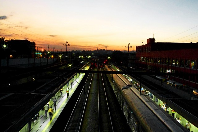 Anoitecer na Lapa, visto da estação da São Paulo Railway.