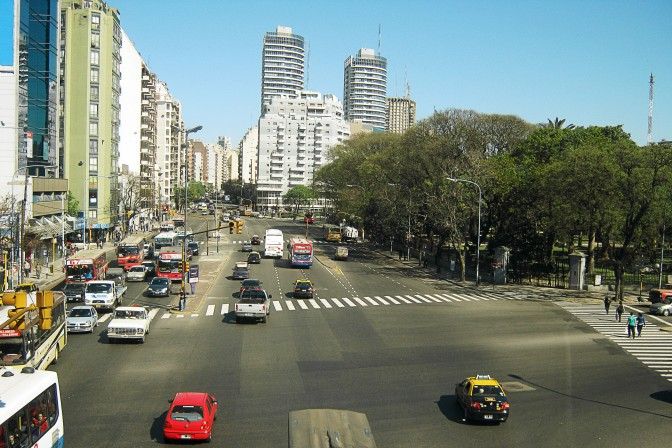 Avenida Santa Fe com Intendente Bullrich
