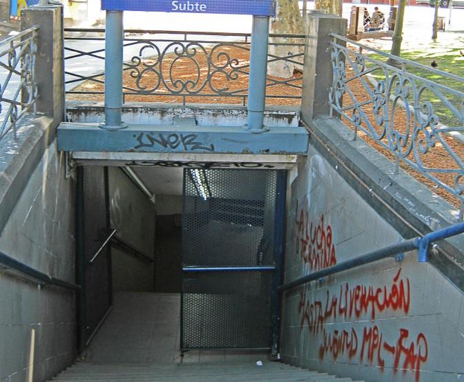 Entrada da Estação Retiro do metrô