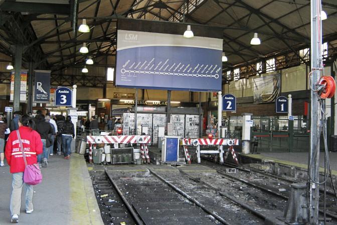 Plataformas da Estación Retiro San Martín