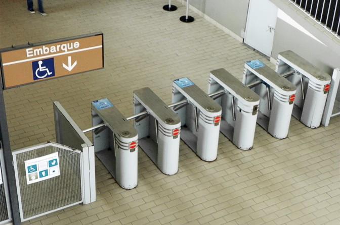 Catracas na Estação Ipiranga da CPTM