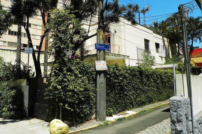 Rua Carlos Sampaio, 158