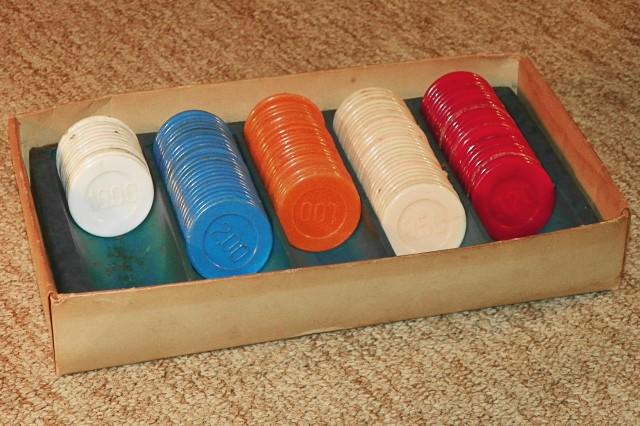 Caixa de fichas de pif-paf, usadas como palhetas