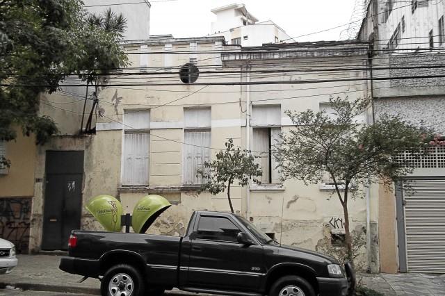 Rua Martiniano de Carvalho, 123