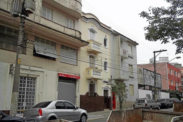 Prédio Zú, na Rua dos Bororós
