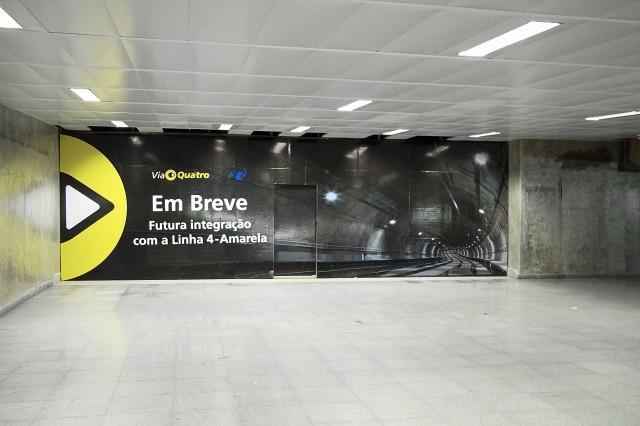 Painel na Estação Luz da Linha 4-Amarela