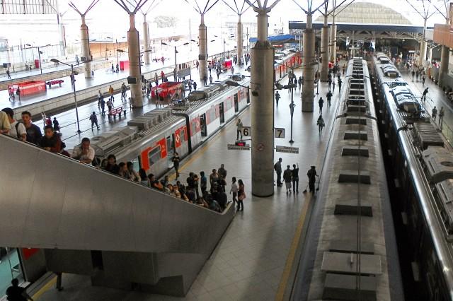 Escadas rolantes na Estação Brás