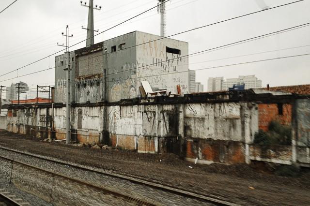 Antiga estação Barra Funda da EFSJ vista da linha